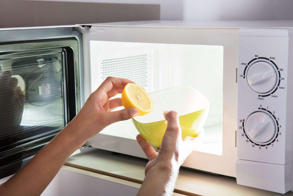 Очистка от жира лимонным соком
