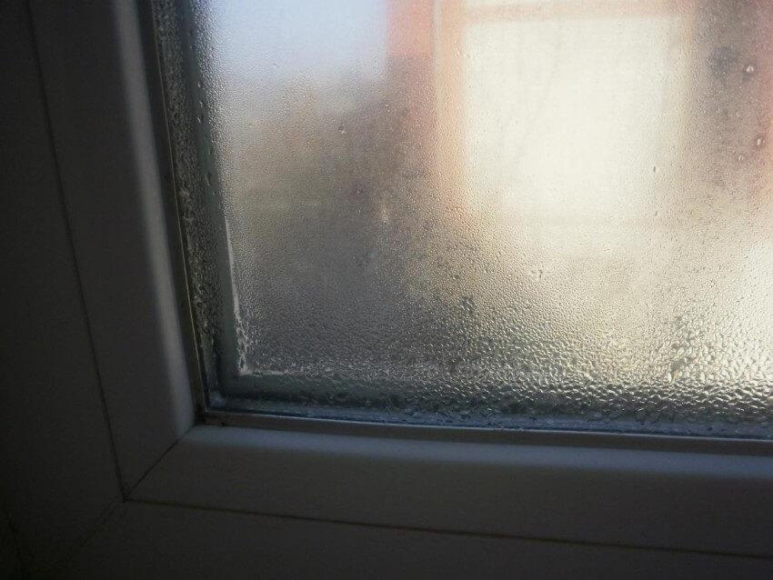 запотевание пластиковых окон изнутри
